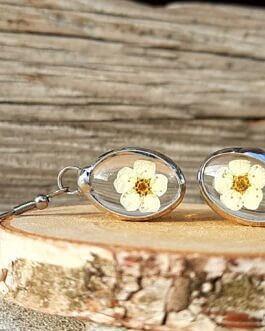 Kolczyki z kremowym kwiatem
