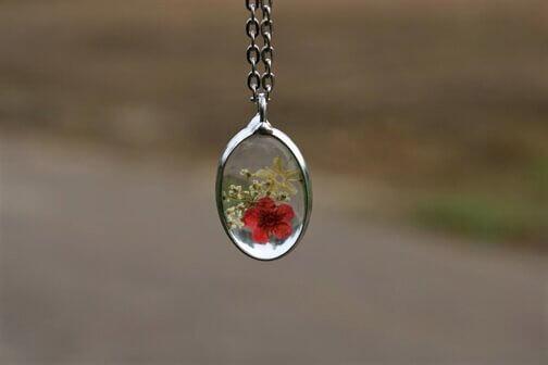 Komplet z czerwonymi Kwiatami