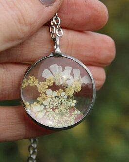 Okrągły z waniliowymi kwiatami