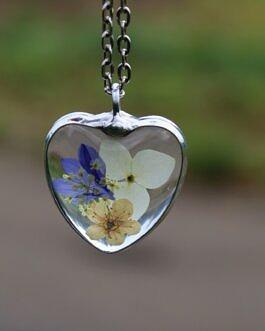 Naszyjnik serce z kwiatami